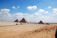 0205pyramiden03